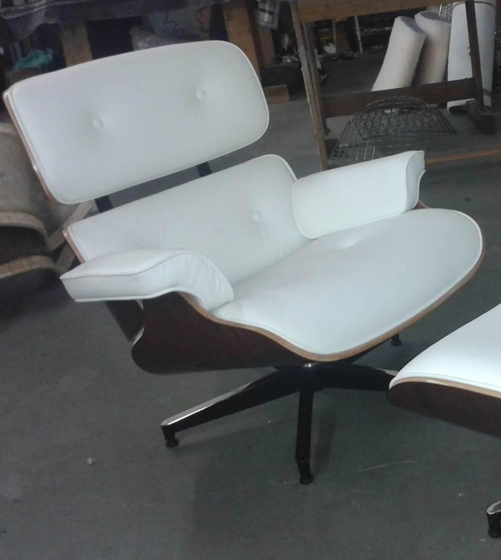 Poltrona Charles Eames Imbuia Couro Natural Branco 26600