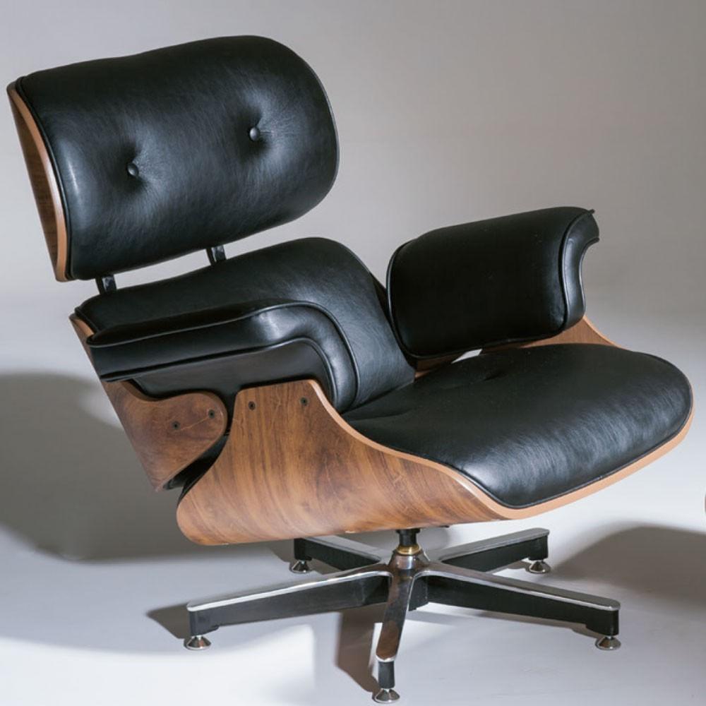Poltrona Charles Eames Imbuia Couro Natural Preto 26605