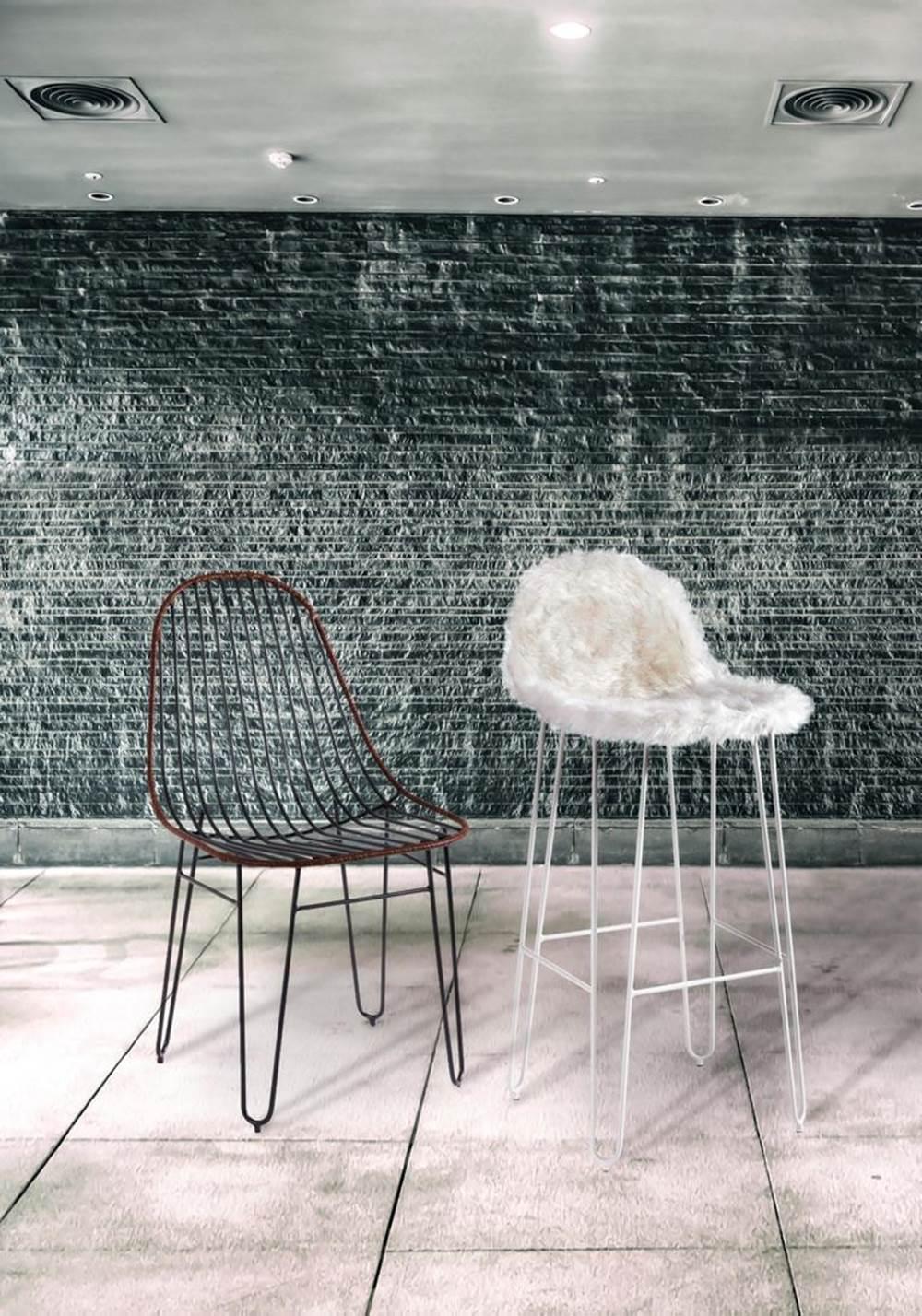 Cadeira Invisi Trama Couro Natural Caramelo Base Preta 45 cm (LARG) - 41426