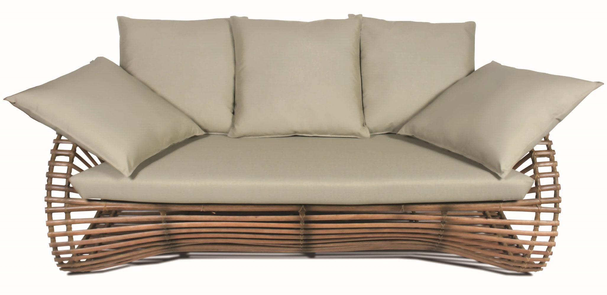 Sofa Salem 3 Lugares Assento cor Fendi com Estrutura Madeira Apui - 44781
