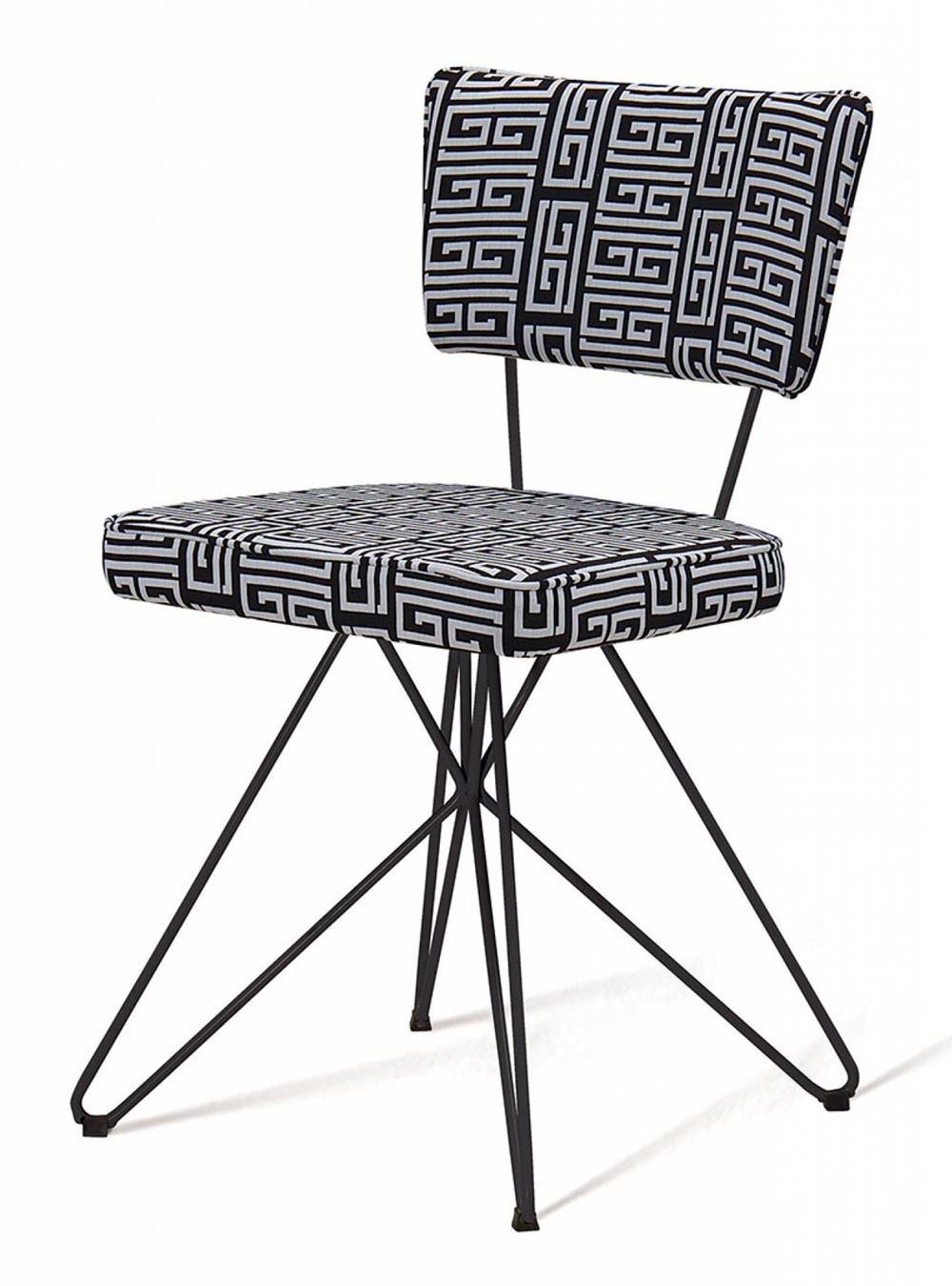 Cadeira Pop Retro Estampa Maze Base Estrela Preta - 49598