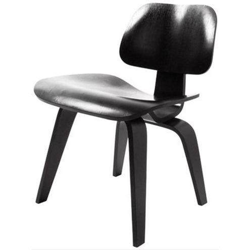 Cadeira-Charles-Eames-Lounge-em-Madeira-Preta
