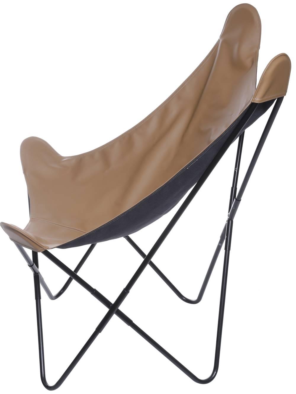 Poltrona Butterfly Estrutura em Ferro com Assento Courissimo cor Caramelo - 53529