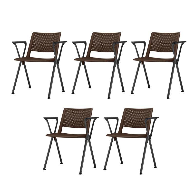 Kit-5-Cadeiras-Up-com-Bracos-Assento-Marrom-Base-Fixa-Preta---57830