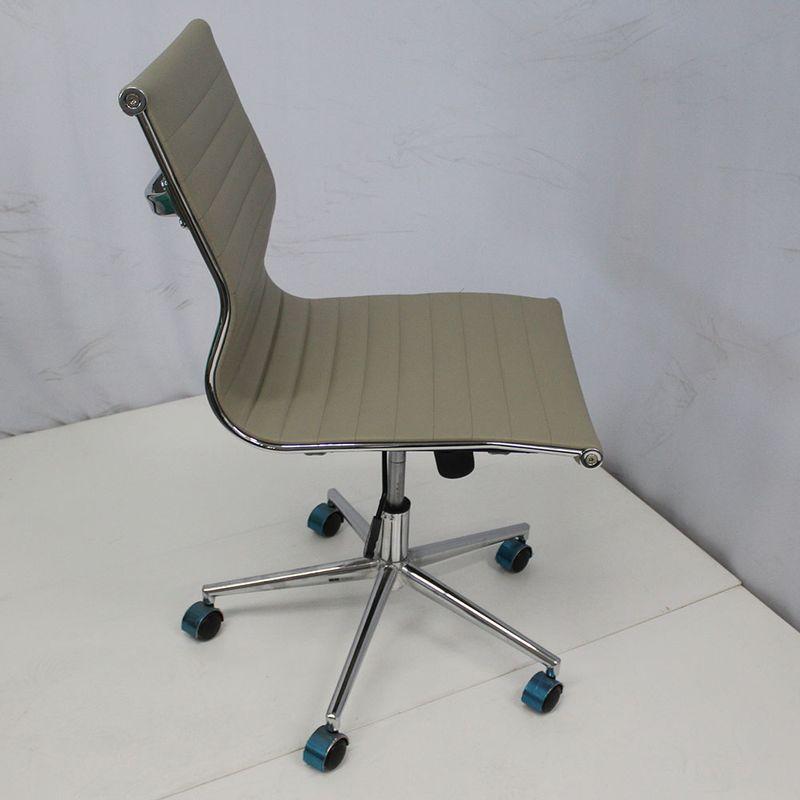 Cadeira-Office-OUTLET-Estofada-Baixa-Fendi-Sem-Bracos-Cromada---10